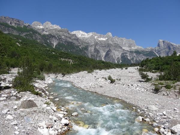 31 Albania Teth