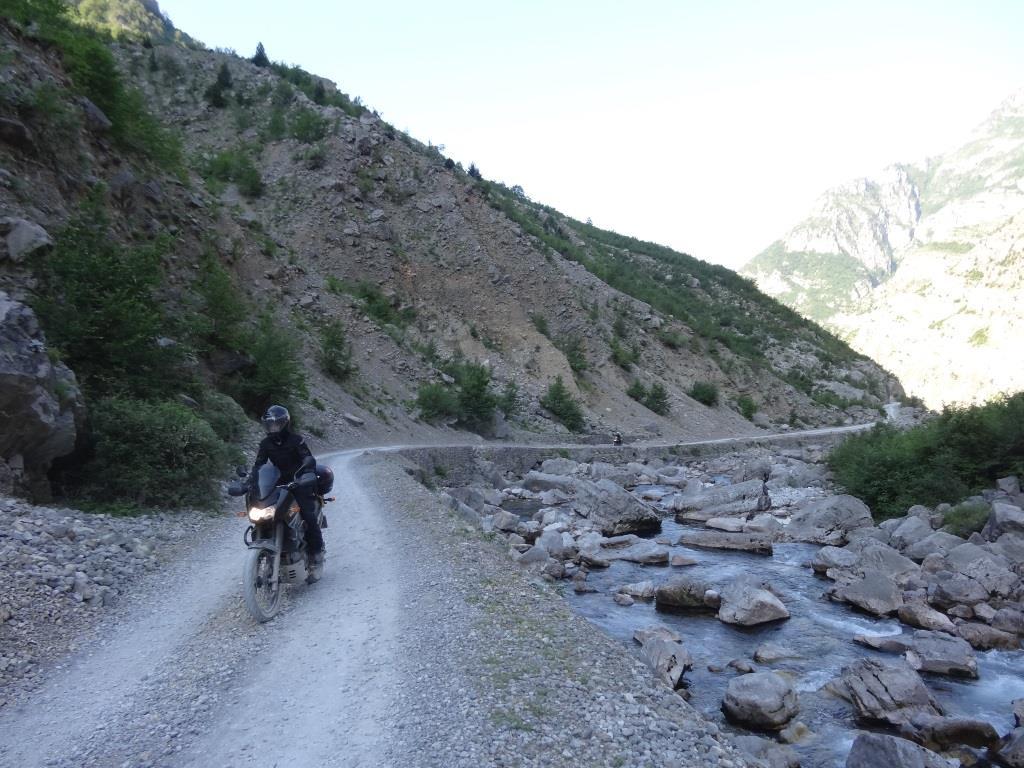 albania_droga_motocyklicznie.jpg