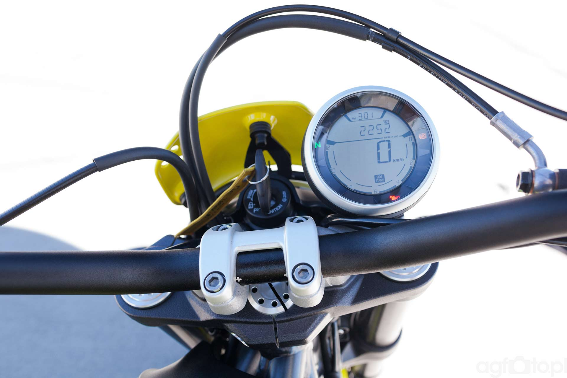 ducati_scrambler_zegar_motocyklicznie