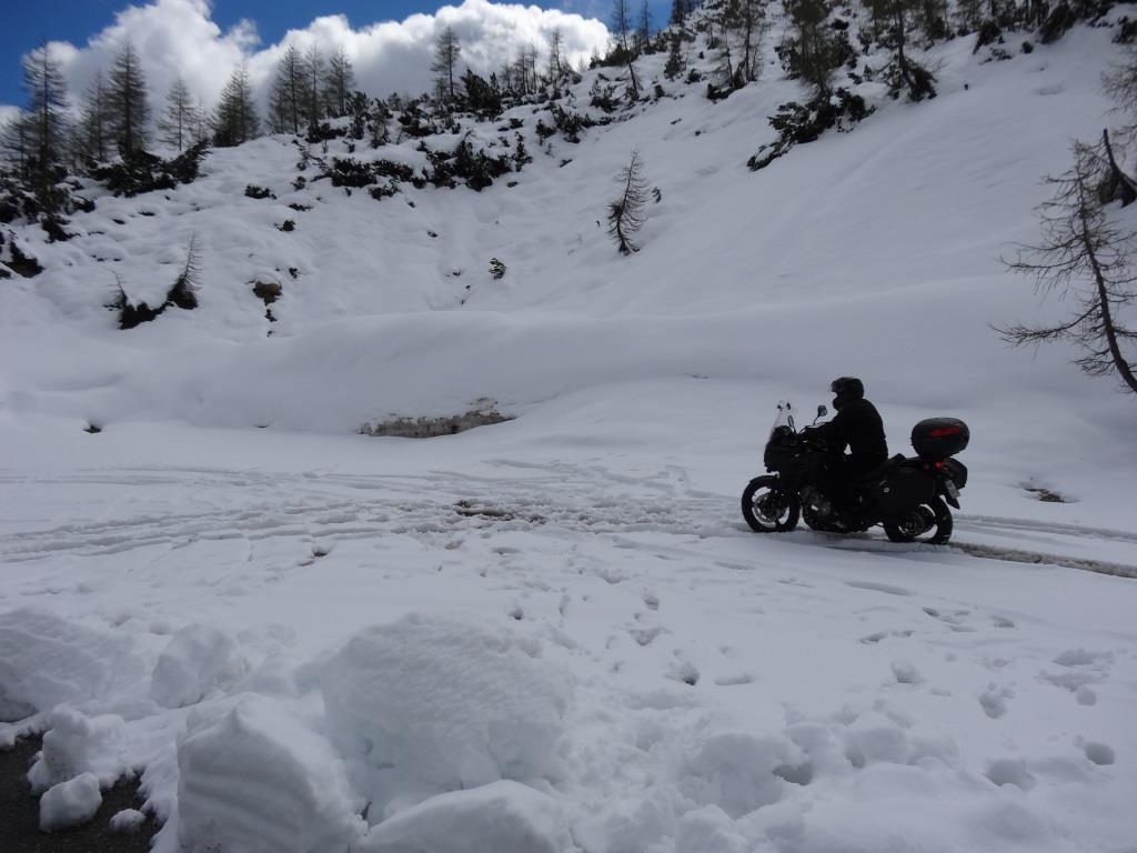 motocykl_śnieg_motocyklicznie.jpg