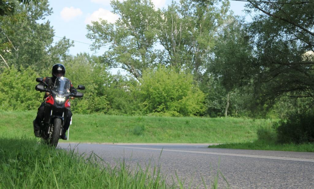 HondaCB500x_jazda_po_asfalcie_motocyklicznie