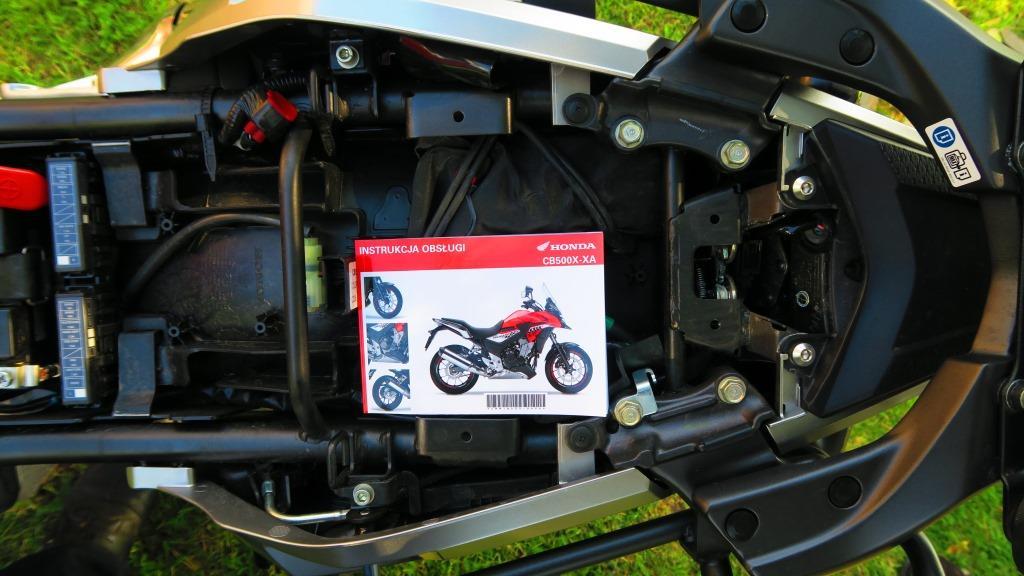 HondaCB500x_schowek_motocyklicznie