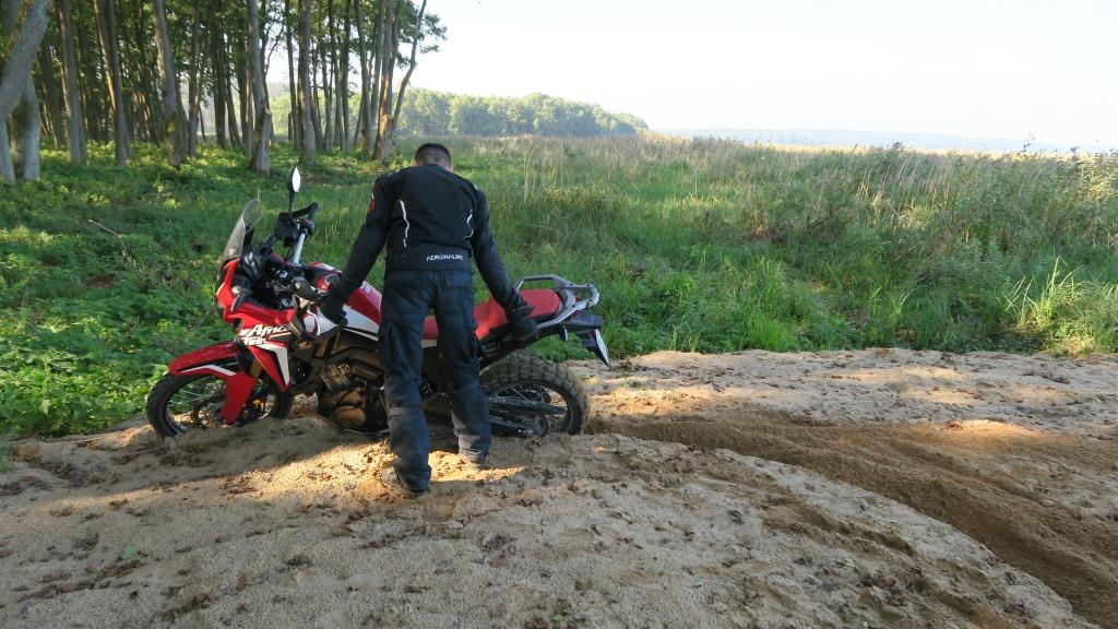 honda_africa_twin_piach_motocyklicznie